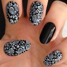 Trendy & Lovely Nail Art for 2019 ⋆ nageldesign stempel Long Nail Art, Easy Nail Art, Black Acrylic Nails, Matte Nails, Black Nails, Acrylic Art, Simple Nail Art Designs, Acrylic Nail Designs, Love Nails
