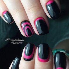 Дизайн черного маникюра - розовый обратный френч и лунный маникюр