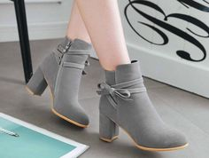 Suede Ankle Boots, Heeled Boots, Shoe Boots, Shoes Heels, Fashion Heels, Fashion Boots, Sneakers Fashion, Fashion Fashion, Pretty Shoes