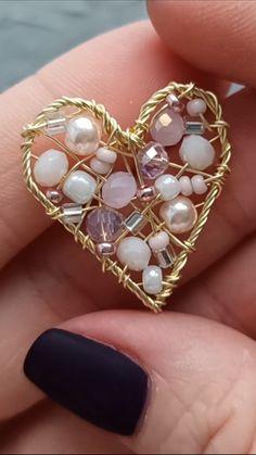 Wire Jewelry Designs, Handmade Wire Jewelry, Diy Crafts Jewelry, Wire Wrapped Jewelry, Bead Jewellery, Beaded Jewelry, Jewellery Making, Bijoux Fil Aluminium, Homemade Jewelry