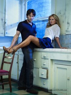 True Blood promo shot of Anna Paquin & Stephen Moyer