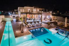 Villa Buddha in Playa Blanca, Lanzarote sleeps 12. It has a private heated pool, air conditioning, Wi-Fi, 6 bedrooms and 4 bathrooms