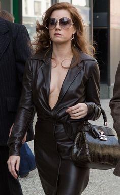 American Hustle Amy Adams Jacket is exclusively Sale available at our Online Store fitjackets! American Hustle Amy Adams, American Hustle Fashion, Actress Amy Adams, Leder Outfits, Drop Dead Gorgeous, Beautiful, Celebs, Celebrities, Costume Design