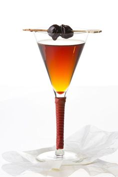 Head Bartender Mike Robertson of Driftwood Room in Portland, Oregon gave us the recipe for this Manhattan variation using Bulleit bourbon. See the recipe Bourbon Cocktails, Whisky Cocktail, Beste Cocktails, Whiskey Drinks, Bar Drinks, Cocktail Drinks, Alcoholic Drinks, Scotch Whiskey, Irish Whiskey
