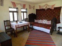 Traditional Interior, Traditional House, Mobiles, Romania, Household, Sweet Home, House Design, Interior Design, Bedroom