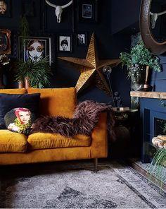 Dark Living Rooms, Bohemian Living Rooms, Living Room Decor, Bedroom Decor, Chic Living Room, Dark Rooms, Design Seeds, Dark Home Decor, Dark Interiors