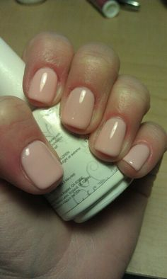 Gelish - Pink Smoothie Love this color, Essie Marabou on toes