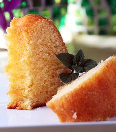 A nagyiféle kuglófnak nem lehet ellenállni. A tészta akkor jó, ha az illata már belengi a lakást. Egy szelet kuglóf és egy bögre kakaó felmelegít.