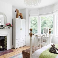 Bedroom | Step inside an updated terrace house in southeast London | House tour | PHOTO GALLERY | 25 Beautiful Homes | Housetohome.co.uk