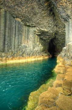 Beautiful Fingal's Cave, Staffa Scotland