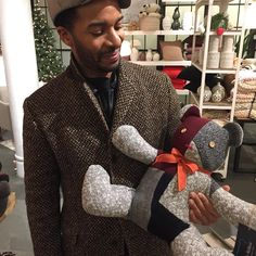 Teddy ReBear love.  TeddyReBear.com congratulations Andre Holland and cast of Moonlight for your Golden Globe win for Best Picture #goldenglobes #goldenglobe #movies #moonlight #motionpicture #andreholland #remember #recycle #renew #greenlife #greenliving #upcycle #bearlove #bear #sweaters #madefromsweaters #madewithlove #teddybear Andre Holland, Teddybear, Male Celebrities, Green Life, Golden Globes, Moonlight, Cool Pictures, Upcycle, Oc