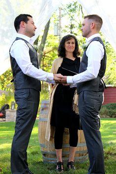 Flow Ceremonies - Grooms exchanging vows