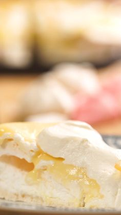 Savory magic cake with roasted peppers and tandoori - Clean Eating Snacks Baking Recipes, Cake Recipes, Dessert Recipes, Homemade White Cakes, Moist White Cake, Lemon Health Benefits, Food Cakes, Savoury Cake, Clean Eating Snacks