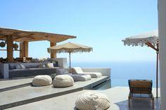 Casa idílica en Grecia, exterior con piscina panorámica. #HomeTour #Grecia #Lujo #estilo #mar #vistas #elegancia #casa