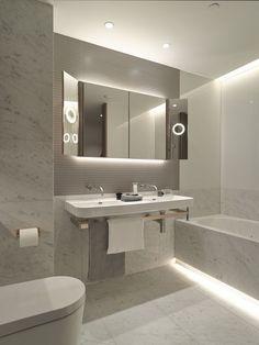 Ordinaire Как использовать LED полосы в интерьере: 6 идей, 60 примеров. Bathroom Ideas Light ...