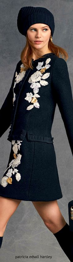 Winter 2016 Women's Catalogue by Dolce&Gabbana Look Fashion, Fashion Brand, Fashion Outfits, Womens Fashion, Fashion Design, Dolce And Gabbana 2016, Business Outfit, Embroidery Fashion, Passion For Fashion