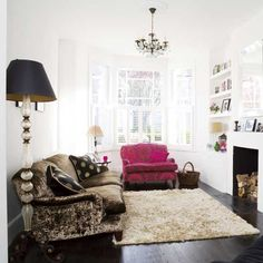 Plain room, great mismatched plush furniture