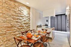 wandgestaltung steinwand-küche-essbereich-modern-rustikal