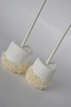 Little white marshmallow dessert pops, perfect for a winter wedding