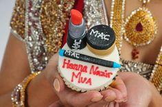 MAC makeup cupcake!! Aaaaaa love it!!!