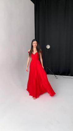 Ball Dresses, Prom Dresses, Ball Gowns, Classy Dress, Classy Outfits, Chiffon Dress, Silk Dress, Fairytale Dress, Fashion Dresses