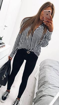 spring outfit idea / stripped shirt + bag + sneakers + black skinnies