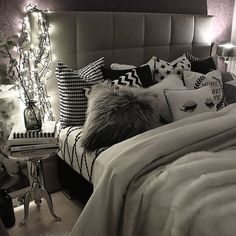 "Make Your Bedroom ""Sizzle"" with Unique Headboard Designs Dream Rooms, Dream Bedroom, Home Bedroom, Master Bedroom, Bedroom Decor Glam, Bedroom Ideas For Teen Girls, Girls Bedroom, Girl Room, My New Room"