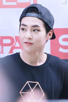Why those eyes can't look at me?! ❤️Xiumin❤️ ❤️EXO❤️