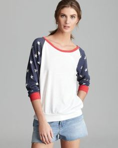 O say can you see: Slouchy Patriotic Pullover Cute Fashion, Girl Fashion, Fashion Looks, Womens Fashion, Alternative Outfits, Alternative Apparel, Minimal Fashion, Affordable Fashion, Capsule Wardrobe
