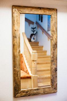 wohndekoration - spiegel mit holzrahmen