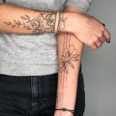 most beautiful arm tattoo design for women 12 ~ thereds.me - most beautiful arm tattoo design for women 12 ~ thereds. Best Sleeve Tattoos, Sleeve Tattoos For Women, Neck Tattoos, Body Art Tattoos, Small Tattoos, Tattos, Girl Arm Tattoos, Spine Tattoos, Mandala Arm Tattoos