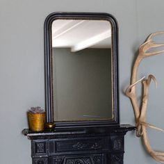This mirror has a lovely vintage feel , with it's soft curved corners. It would look great above a dressing table, sink or over a fireplace.