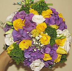 Buchet de mireasa - hortensie , eustoma , trandafiri ,gipsofilla.