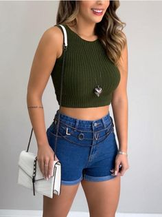 Look Con Short, Looks Vintage, Hippie Style, Short Skirts, Jean Shorts, Ideias Fashion, Cute Outfits, Fashion Outfits, Crop Tops