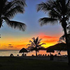 "Repost from Instagram ! #WeLike ! #Madinina by @elodie_76 ""Bien arrivés au Paradis. 30 degrés... Zen...."" http://ift.tt/2646Wy3"