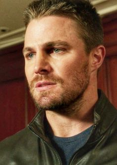 regram 😎❤ Enjoy some faces😍 Because It's an less Wednesday😢 Reminder that starting Season 6 will be on Thursday at Sources say that the theme of season 6 is FAMILY Tag a friend . Hello Gorgeous, Beautiful Men, Oliver Queen Arrow, Superhero Series, Stephen Amell Arrow, Arrow Cw, Oliver And Felicity, Lex Luthor, Supergirl And Flash