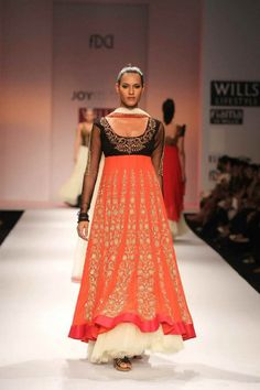 Joy-Mitra_WIFW-Spring-Summer-2013_Indian-Fashion-Trends_Scarlet-Bindi002.jpg (720×1080)
