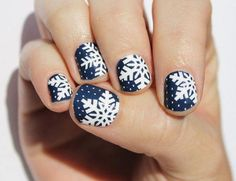 Winter nails designs feature various themes and sparkle with all possible colors. And manicure in reds, greens, blues, whites, and golds rocks this season. Every woman wants to look remarkable disregarding the weather conditions. And the pretty nails give Winter Nail Designs, Nail Art Designs, Nails Design, Holiday Nails, Christmas Nails, Christmas Design, Mani Pedi, Manicure, Homemade Dry Shampoo