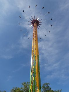 Skyscreamer rises and soars over Six Flags Great Adventure