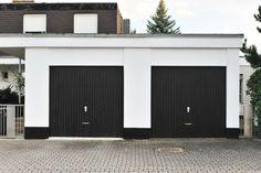 Building wood gates for driveways gate design question - building & con Garage Door Lights, Overhead Garage Door, Garage Door Remote, Garage Door Repair, Garage Door Opener, Diy Garage, Garage Exterior, Garage Plans, Garage Ideas