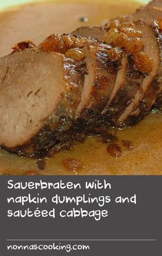 Sauerbraten with napkin dumplings and sautéed cabbage Sauteed Cabbage, Cooked Cabbage, Crab Recipes, Soup Recipes, Dishes Recipes, Berry Wine Recipe, German Recipes, Swiss Recipes, Tasty Dishes