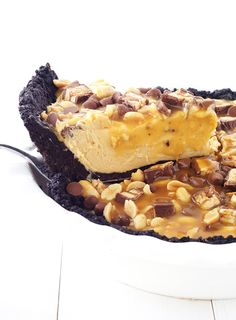 Snickers Peanut Butter Oreo Pie Recipe