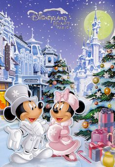 Walt Disney Mickey Mouse and Minnie Mouse Mickey And Minnie Love, Mickey Mouse Christmas, Mickey Mouse And Friends, Disneyland Paris Weihnachten, Disneyland Paris Christmas, Disney Holidays, Disney Micky Maus, Mickey E Minie, Retro Disney