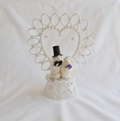 Taxidermy mouse wedding cake topper. by NimbleMatters on Etsy