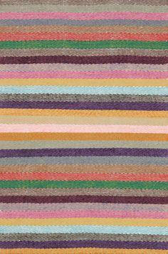 Caravan.  Alfombra lana, diseño nórdico. Encuéntralo en Alboroque Decoracion.