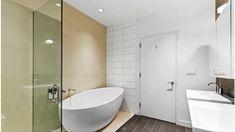 Manhattan Real Estate, Bathtub, Standing Bath, Bath Tub, Bathtubs, Tub