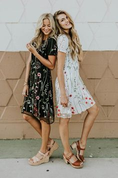 Shop cute and modest dresses and styles for this Spring season including fit & flare, t-shirt, embroidered dresses, maxi, & midi. Casual Summer Dresses, Modest Dresses, Pretty Dresses, Bridesmaid Dresses, Modest Fashion, Fashion Outfits, Style Fashion, The Dress, Dress To Impress
