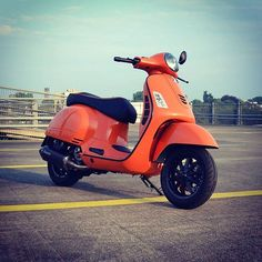 Vespa Scooters Modern 30