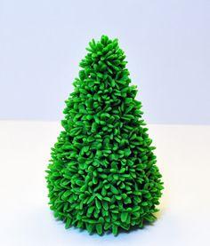 Judy's Cakes: Christmas Tree Tutorial #10