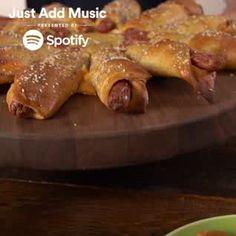"""Get game day ready with Pull-Apart Hot Dogs 🌭🌭 Stream the """"Good Vibes"""" playlist for free on Spotify: Tapas, I Love Food, Good Food, Yummy Food, Food Network Recipes, Cooking Recipes, Snacks Für Party, Football Food, Food Videos"""